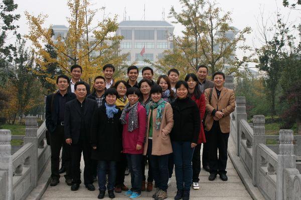 郑州外国语高中,信阳高级中学来校交流指导--襄阳市第风景颜料画学校图片
